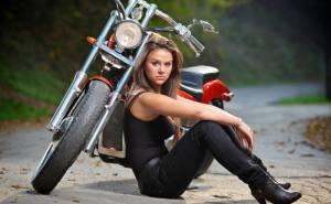 Мотоцикл девушка дорога гонщица