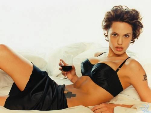 Angelina Jolie, Анжелиной Джоли, стул, бокал вина