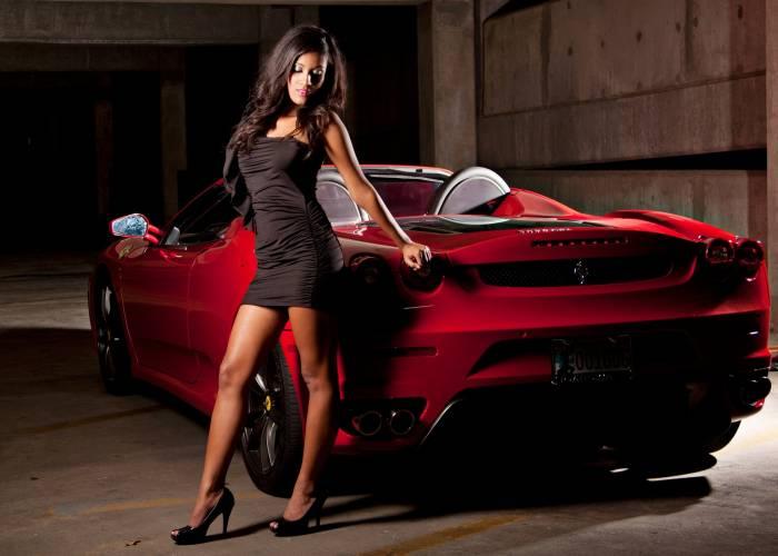 Девушка, брюнетка, машина, Ferrari, авто, секси