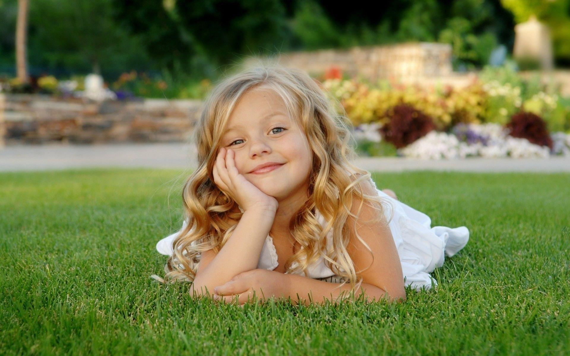 Смотреть красивые маленькие нежные девочки 13 фотография