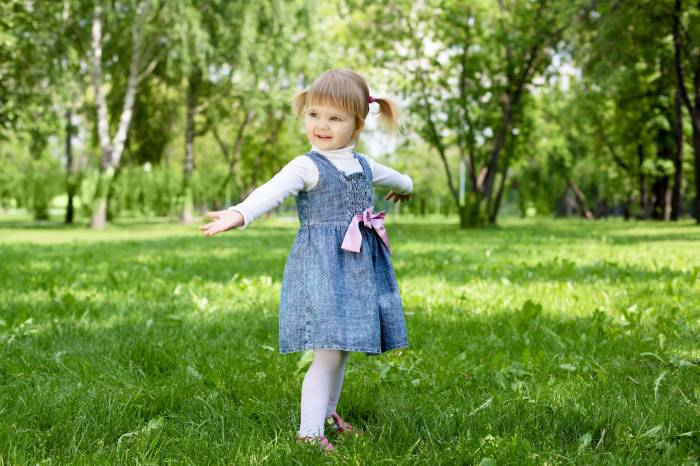 Девочка, ребёнок, лужайка, трава, little girl