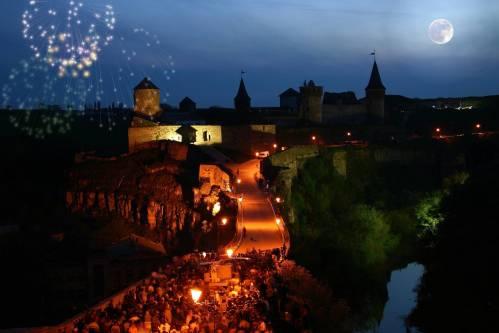 Каменец-Подольская крепость, Украина, салют