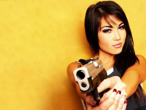 Красотка с пистолетом
