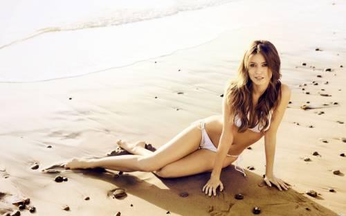 Красотка на пляже
