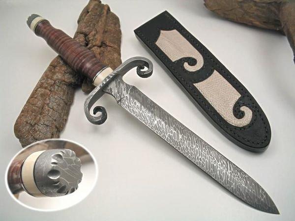 красивый кинжал, нож