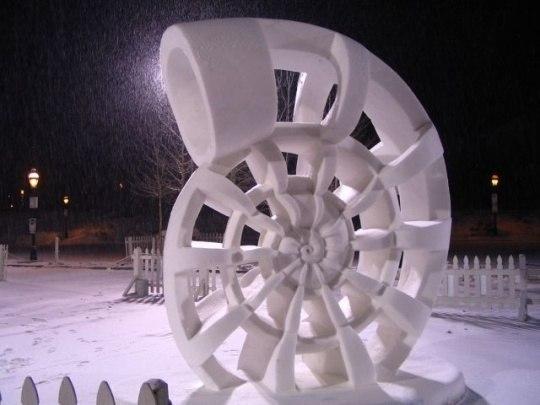 Фигуры из снега